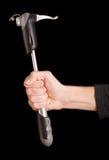 Hand des Mannes, die eine Pumpe anhält stockfotografie
