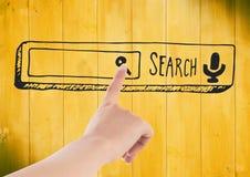 Hand die aan de krabbel van de onderzoeksbar tegen geel houten paneel richten Stock Fotografie