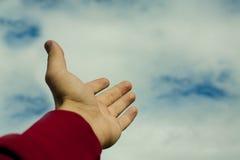 Hand, die auf den Himmel zeigt Stockbilder