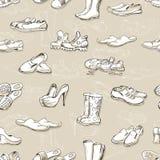 Hand die diverse types van verschillend schoeisel in vector trekken Stock Foto