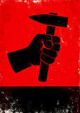 Hand die een hamer houden Royalty-vrije Stock Foto