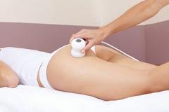 Hand, die elektrische Massage an gibt lizenzfreie stockfotografie