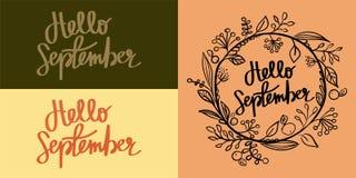 Hand die Kalligrafisch Hello September van letters voorzien Stock Foto's