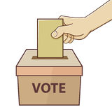 Hand, die Karte für die Abstimmung und Wahl hält Stockfoto