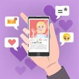 Hand die mobiele telefoon met vrouwelijke persoon op het scherm houden stock illustratie