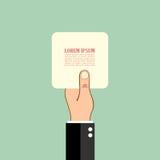 Hand, die Papierkarte anhält Lizenzfreie Stockfotos