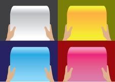 Hand, die Papierrollen-Vektor-Hintergrund-Designe hält Stockfoto