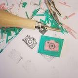 Hand die rubberzegels bewerken royalty-vrije stock foto's