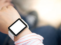 Hand die smartwatch dragen stock afbeeldingen