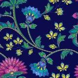 Hand dragen blom- modell för sömlös färg i indisk mehendistil Fotografering för Bildbyråer