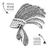 Hand-dragen huvudbonad för indian indisk chef med fjädrar exponeringsbärbar datorlampa skissar stil Arkivfoto