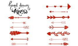 Hand-dragen pilvektor Uppsättning av röd pappers- höger som piluppvisning är vänster Pil för navigering som isoleras på vit bakgr vektor illustrationer