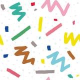Hand dragen sömlös modell för vektor i memphis stil med färgrika band, sicksack och klickar på vit bakgrund Royaltyfri Foto