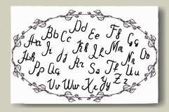 Hand dragit alfabet som är skriftligt med borstepennan Full version royaltyfri illustrationer