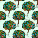 hand-drawn illustraties Samenvatting gekleurde bomen Ik houd van Bomen Naadloos patroon Stock Foto's