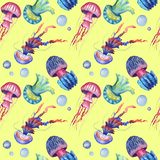Hand drawn watercolor seamless pattern withjellyfish on yellow background royalty free illustration