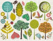 Hand drawtrees och leafs över kontrollerad bakgrund Arkivbild