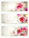 Hand drog blom- tappningillustrationer Uppsättningen av tre bakgrunder med blommor förgrena sig och vallmo abstrakt pink Fotografering för Bildbyråer