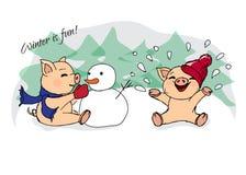 hand-drog illustrationer invitation new year Vinterkort med svin barn som leker snow Spädgrisar och snögubbe Arkivfoto