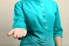Hand einer Krankenschwester Lizenzfreie Stockfotografie