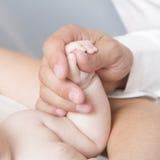 Hand eines Kindes Stockfoto