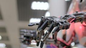Hand för flyttningrobot lager videofilmer