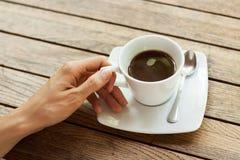 hand för kaffekopp Royaltyfria Bilder