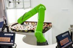 Hand Fanuc för industriell robot på utställningen Cebit 2017 i Hannover Messe, Tyskland Royaltyfria Bilder