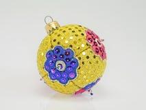 Hand-gebeëindigde Kerstmisbal van vele kleuren Stock Foto