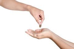 Hand geben Geld auf weißem Hintergrund stockbild
