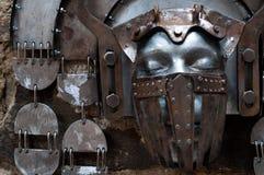 Hand-gehamerd ijzermasker Stock Afbeelding
