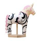 Hand - gemaakt zacht stuk speelgoed paard dat op wit met pi wordt geïsoleerd Stock Fotografie
