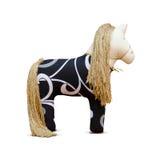 Hand - gemaakt zacht stuk speelgoed paard met gouden manen en teugel Stock Foto's