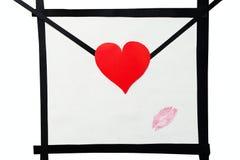 Hand - gemaakte envelop en lippenstiftkusprentbriefkaar Stock Afbeeldingen