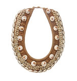 Hand - gemaakte houten die shell juwelen op wit worden geïsoleerd royalty-vrije stock afbeelding