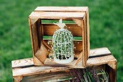 Hand - gemaakte huwelijksdecoratie met houten dozen, Royalty-vrije Stock Afbeelding