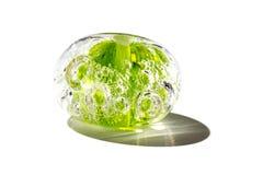 Hand - gemaakte transparante groene glasparel stock foto