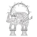 Hand getrokken de olifantskrabbel van het overzichtscircus Stock Afbeelding