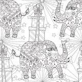 Hand getrokken de olifantskrabbel van het overzichtscircus Stock Foto's
