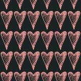 Hand getrokken geschilderd harten naadloos patroon Roze Harten op Zwarte Achtergrond Inktillustratie Ornament voor de dag van Val Royalty-vrije Stock Fotografie