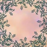 Hand getrokken geweven bloemenachtergrond Uitstekende roze kaart met rozen en bladeren Malplaatje voor brief of groetkaart Stock Foto's