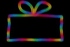 Hand getrokken kleurrijke huidige doos met boog op een bla Stock Foto