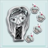 Hand getrokken lang haarmeisje met de zonnebril van de hartvorm en muffin, lichtblauwe achtergrond royalty-vrije illustratie