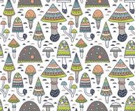 Hand getrokken naadloos patroon met geometrische sierpaddestoel en giftige paddestoelen Vector illustratie stock illustratie
