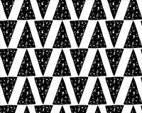 Hand getrokken naadloos patroon met lange driehoeken Stock Foto