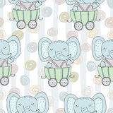 Hand getrokken naadloos patroon met Leuke olifant in de aanhangwagen Patroondruk voor jonge geitjes Stock Foto
