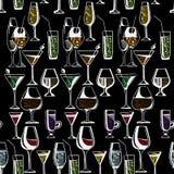 Hand getrokken patroon van alcoholdranken en cocktails Vector illustratie Stock Fotografie