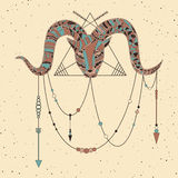 Hand getrokken ram met patroon in boho, van Indiër of van de medicijnman stijlen Vectorkunstaffiche Stock Foto's