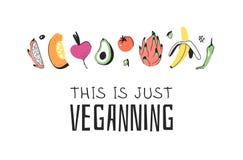 Hand getrokken reeks groenten, vruchten en eco vriendschappelijke woorden Vector artistiek het voedsel en de Veganistcitaat van d stock illustratie