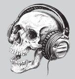 Hand getrokken schetsmatige schedel met hoofdtelefoons stock illustratie